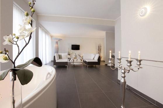 Bildquelle: Blick in die Private Spa Suite der Wellnesslounge im Maritim Hafenhotel Rheinsberg