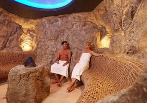 winterzeit saunazeit sauna so schwitzen sie gesund. Black Bedroom Furniture Sets. Home Design Ideas